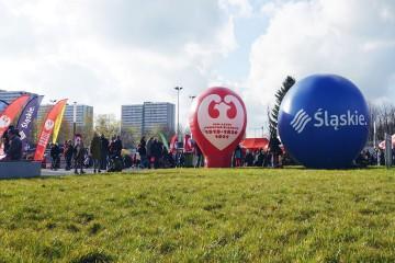 Balon Alfa i balon typu kula na Stadionie Śląskim podczas obchodów 11 listopada