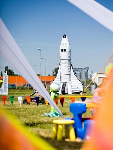 Dmuchana rakieta - nietypowy balon reklamowy