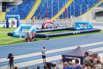 Dmuchane boisko i bramki na Stadionie Śląskim w Chorzowie