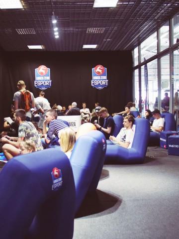 Dmuchane fotele VENTO podczas turnieju Esport Łomża Tour