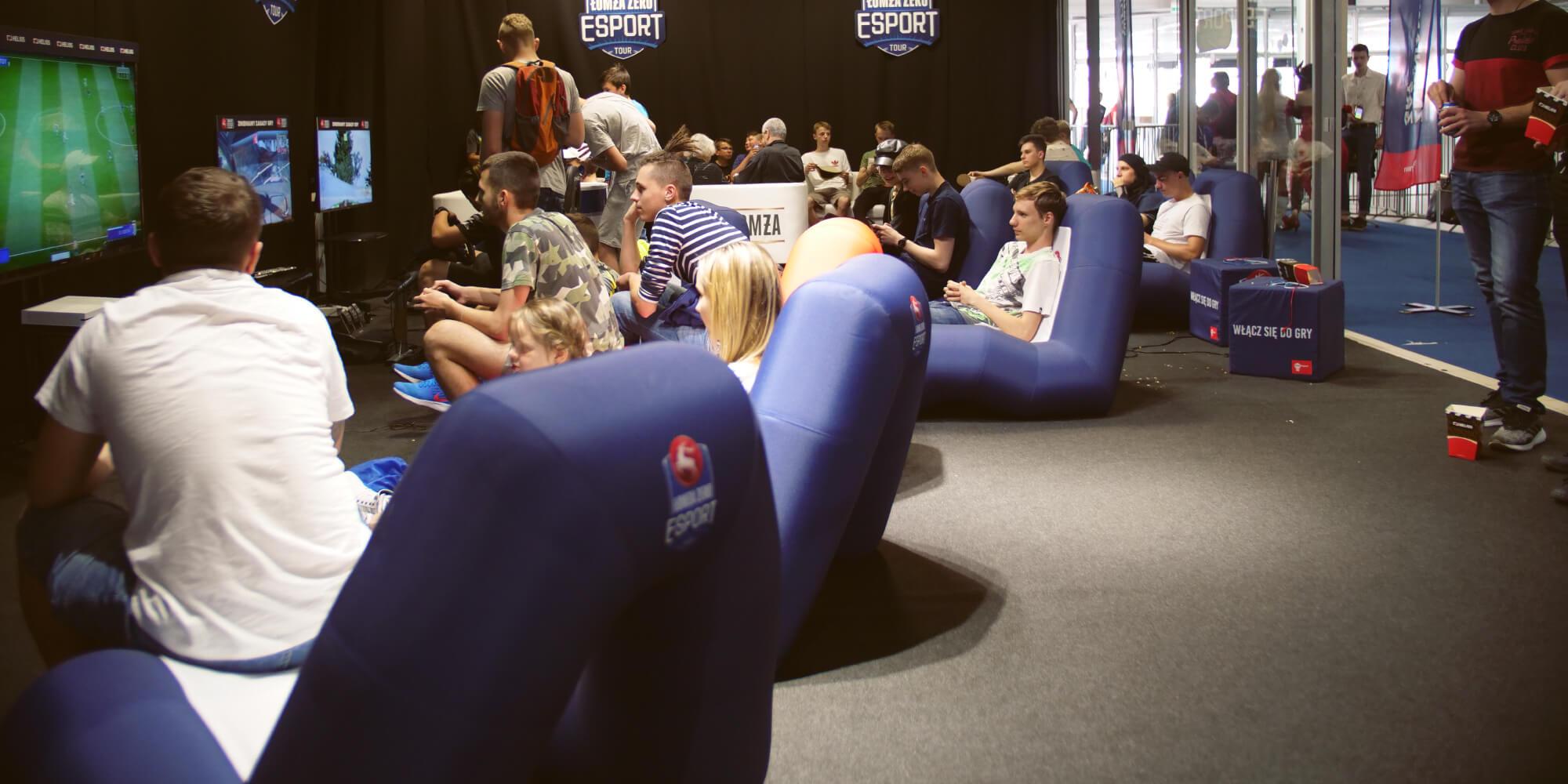 Dmuchane siedziska VENTO podczas turnieju e-sportowego