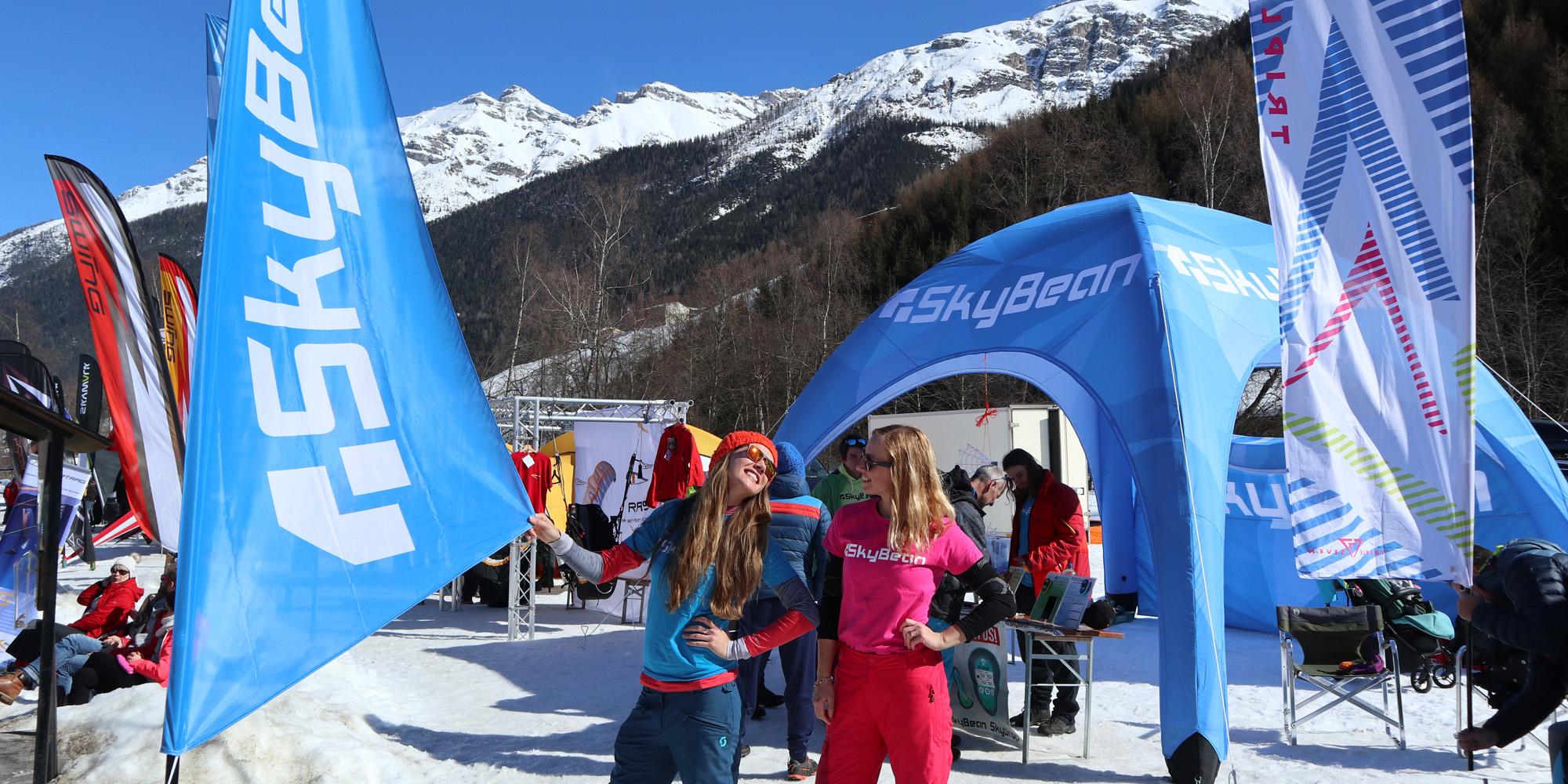 Namiot reklamowy VENTO na evencie w warunkach zimowych